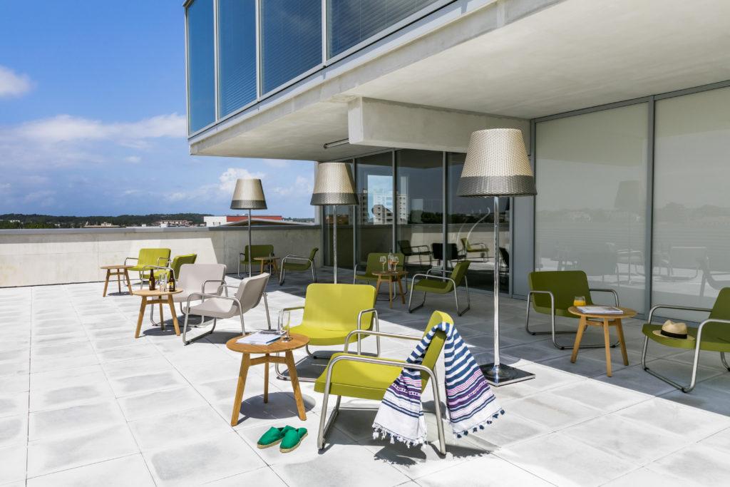 okko bayonne l 39 h tel perch virginie lavauden. Black Bedroom Furniture Sets. Home Design Ideas
